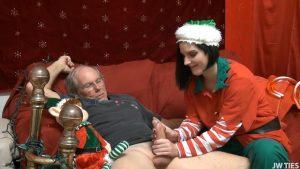 Santas Handy Helper – First Time Handjobs – Ava Steel