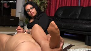 Sloppy handjob with nylon soles smelling by Gina – Happy Clips 4 You