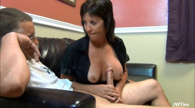 Cum On Mommas Titties – First Time Handjobs – Skye Haven