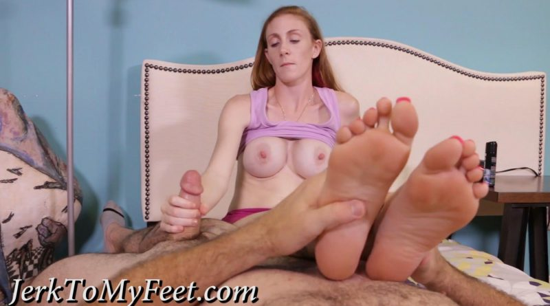 Focus on my Feet – Jerk To My Feet – Ginger Babbi