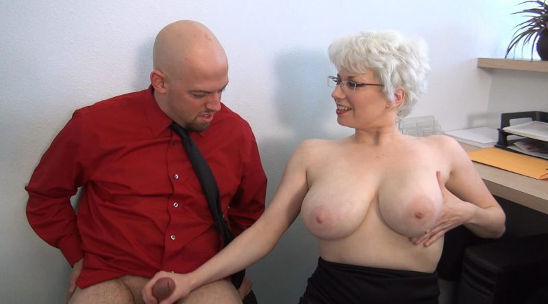 Big Tits In Charge!! – JERKY GIRLS