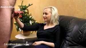 HandJob Teasing Torture near Xmas Tree_ Huge Ruined Facial – I JERK OFF 100 Strangers hommme HJ – Lilu