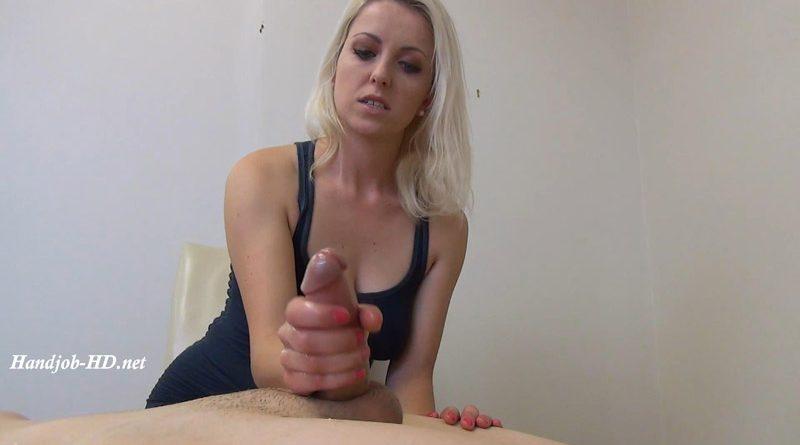 Kari sweets webcam masturbates