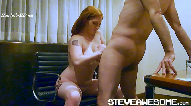 ScarlettRed Public Handjob Nearly Caught – Steve Awesome