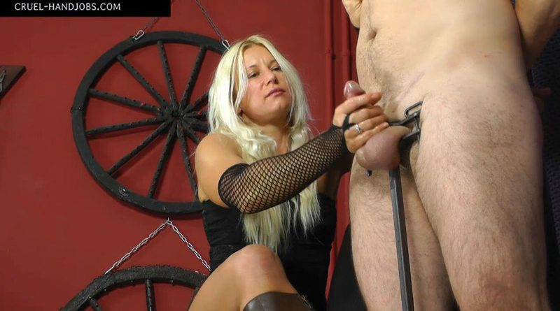 Little pain, lot of pleasure – Cruel Handjobs – Mistress Zita