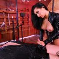 Mistress Crystal Milks the New slave – Club Dom