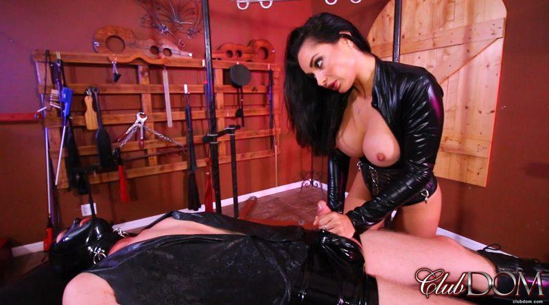 Mistress Crystal Milks the New slave – Club Dom