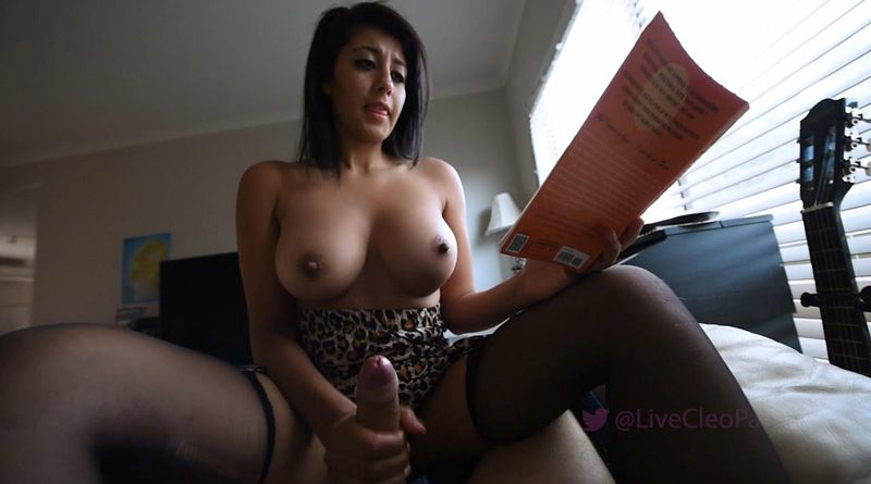Quiet handjob while reading my book – Live Cleo