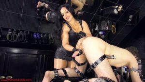 Sissy whore sucking training – Mistress Ezada Sinn MP4