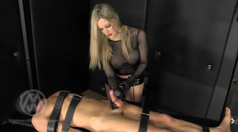 Slave made to eat his ruined orgasm WL1383 – Mistress Nikki Whiplash