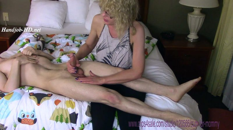 Girls Eating Cum Off Tits