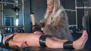 Pumped balls handjob and milking machine – Calea Toxic