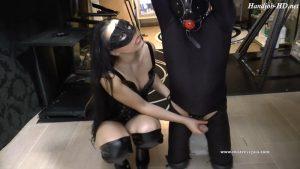 Mistress Gaia – Pole Kneeling