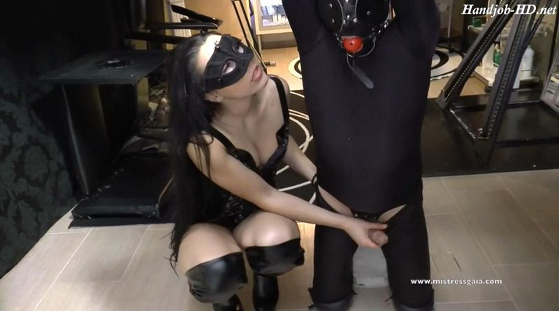 Mistress Gaia – Pole Kneeling