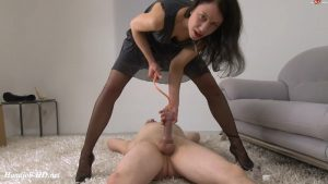 Tail pump tested on hot user cock – Valeria Jones