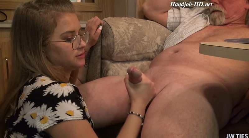 The Service Sucks Here – First Time Handjobs – Taylor Blake
