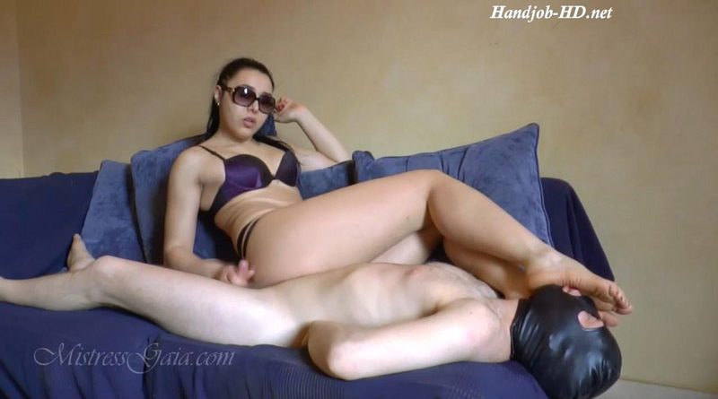 Mistress Gaia – Foot Smelling Handjob