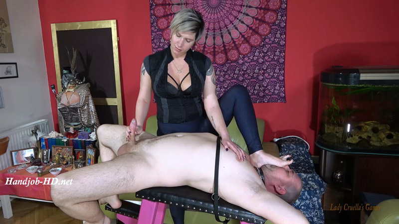 Angry therapist – Double orgasm under my foot! – Lady Cruellas games