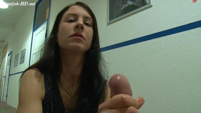 Cock of User is milked spontaneously – Valeria Jones