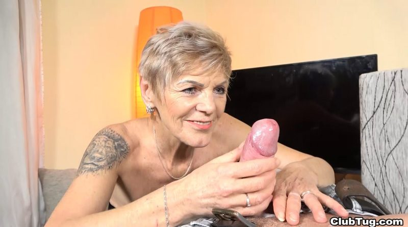 Mature woman POV handjob – Club Tug