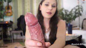 Mega CumShot in die Kamera! – Geiler Dirty – Talk HandJob mit Überraschung! – IsabellaDE