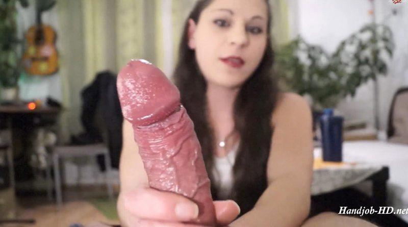 Mega CumShot in die Kamera! – Geiler Dirty – Talk HandJob mit Uberraschung! – IsabellaDE