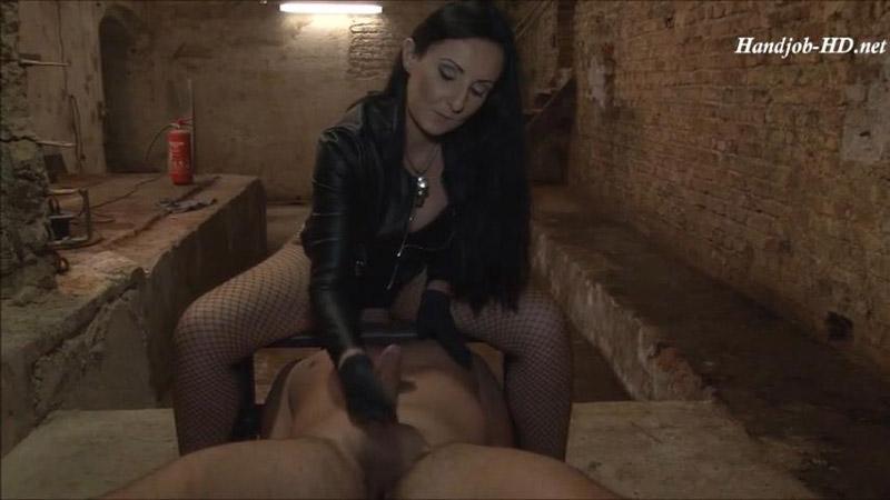 Facesitting with a Handjob – Mistress Luciana