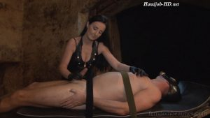 Luciana Domizio – Electric Play & Handjob – FemdomBeauties