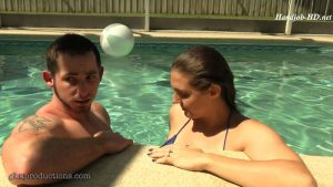 Secretive Underwater Cock Stroking & Ass Grabbing With Sadie Holmes & Toby Springs – Ginarys Kinky Adventures