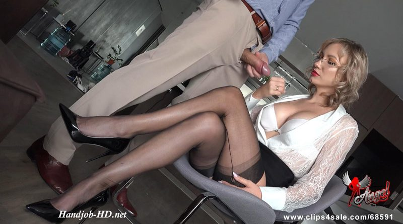 562 Insatiable For Your High Heeled Nylon Legs – Angel The Dreamgirl