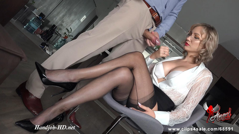 562 Insatiable For Your High Heeled Nylon Legs - Angel The Dreamgirl