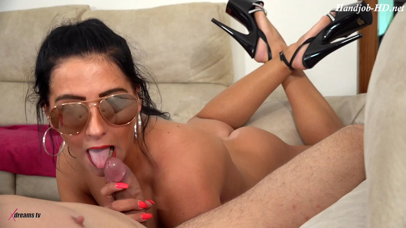 Bella X – Boring TV, So My Girlfriend Want To Play With My Dick – Xdreams Handjobs