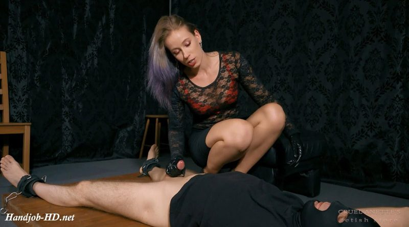 Forced cumshot – Cruel Anettes Fetish Store
