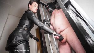 Humiliation in the cage! Handjob and cbt game – Lady Victoria Valente