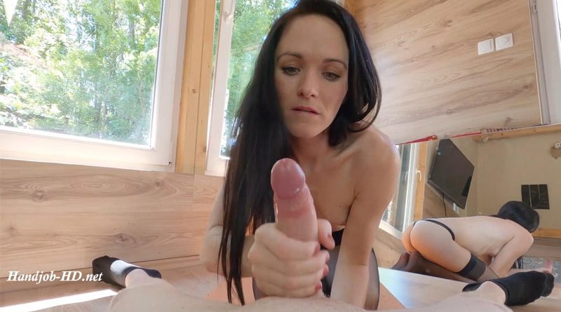 Mirror Blowjob and Handjob POV – Nicole Petite