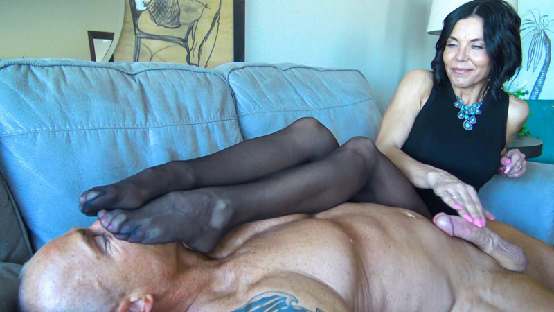 My smelly nylons are better than sex for you, loser!! – Goddess Zephy