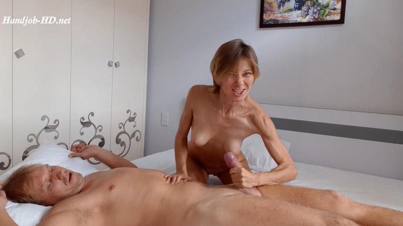 HandJob Squeezing Dick, Blowjob 69 – LadyEmotion