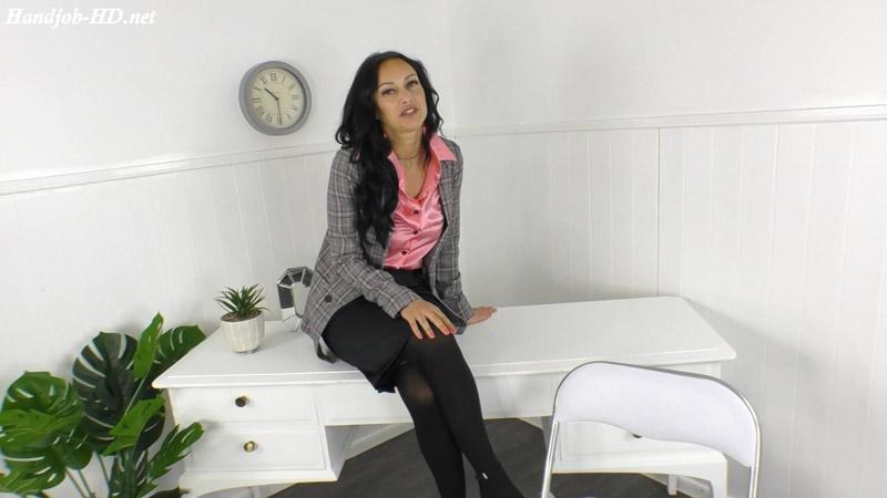 Handjob In The Office During Firedrill – Cassie Clarke