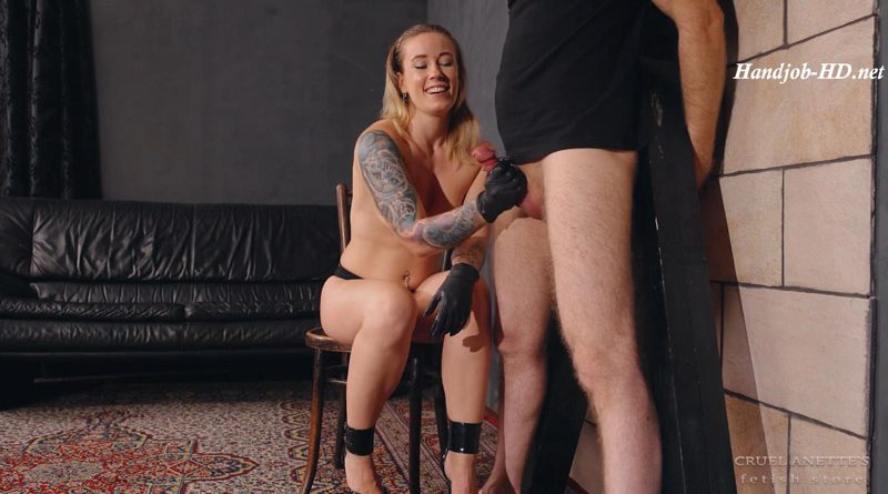 Long, huge orgasm – Cruel Anettes Fetish Store