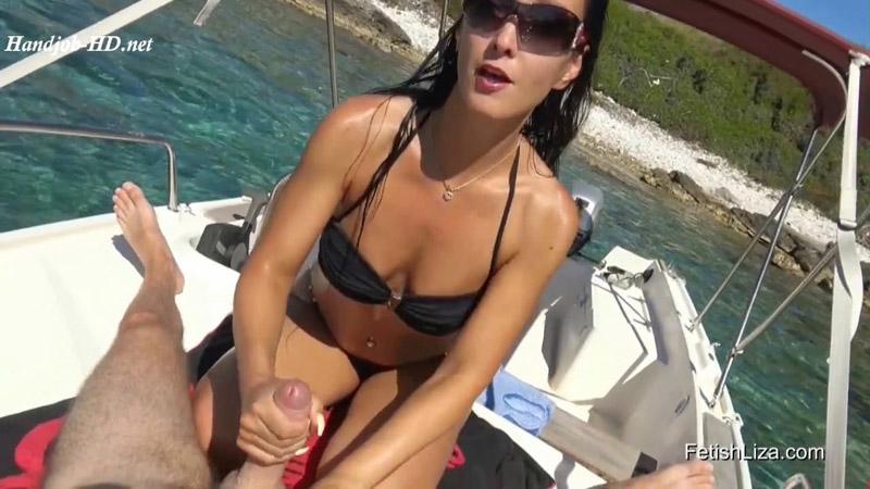 Public Handjob On My Boat - Fetish Liza